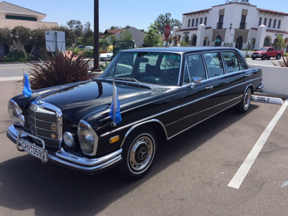 Mercedes-W108-with-car-flagpoles-Exclusive.JPG